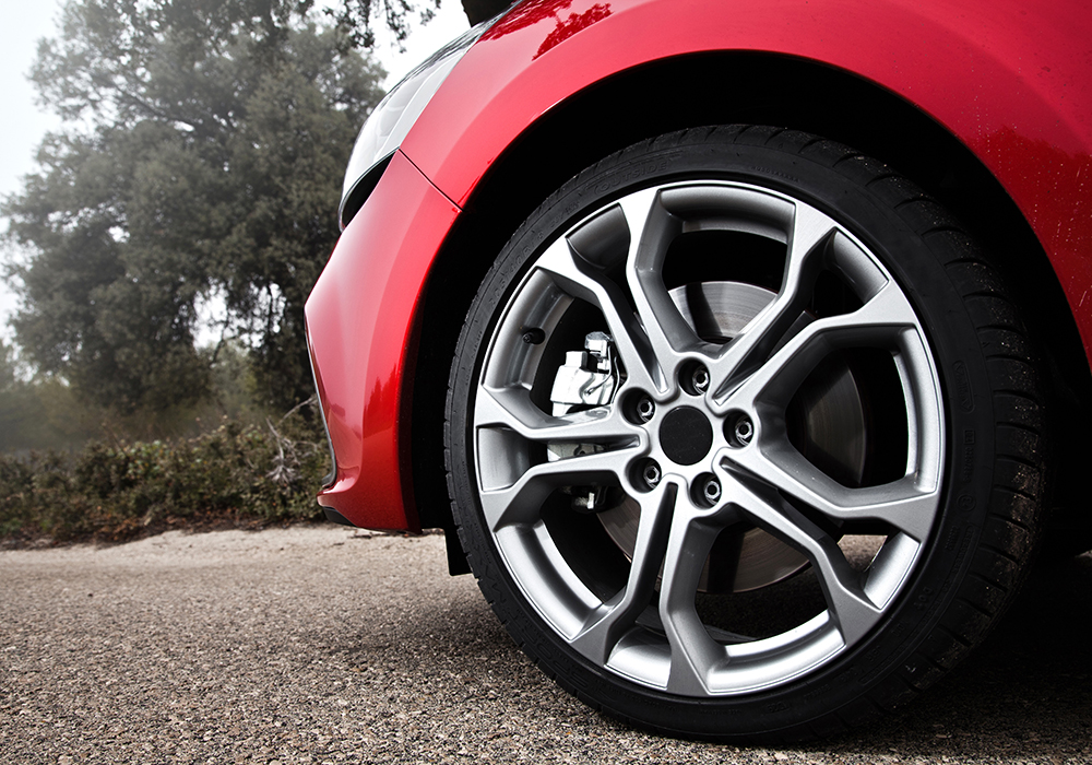 Alloy wheel repairs Swindon, Wiltshire